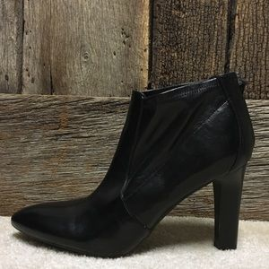 FRANCO SARTO BLACK LEATHER VIOLIN HEEL BOOTIES